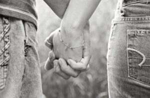 black-and-white-couple-cute-holding-hands-love-favim-com-123892